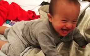 A Very Hilarious Laughing Baby