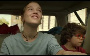 Everybody Knows Trailer
