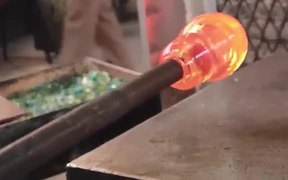 The Process Through Which Glass Jugs Are Made