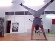 Mind-Blowing Demonstration Of Strength And Balance