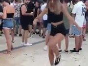Girl Shows Off Some Amazing Dance Moves