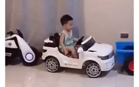 Kid Parks Car Better Than Most Adults