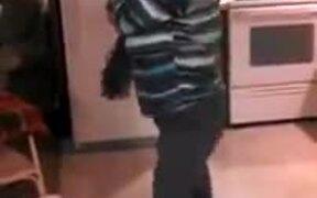 "Grandma Dancing To ""Ice Ice Baby"""