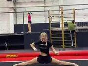 Girl Does Splits Like A Pro!