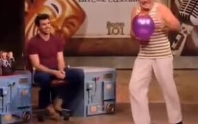 Absolutely Amazing Miming With A Balloon!