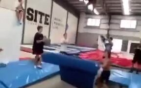 Absolutely Huge Trampoline Jumps!