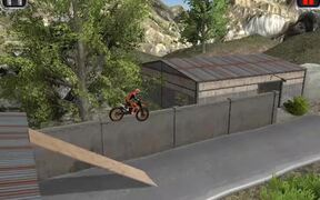 Moto Trials Junkyard Walkthrough