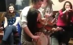 When Musicians Scratch Each Other's Back