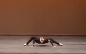 The Amazing Spider Dance
