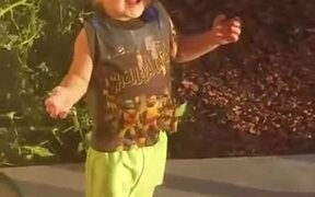 Kid First Time Experiencing Strong Wind