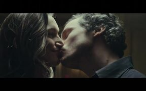 Vodafone Commercial: The Kiss