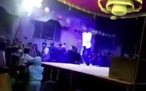 Most Hilarious Dance Move On Stage
