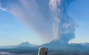The Most Elegant Volcanic Explosion Ever
