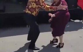 Sweet Old Couple Dances, True Relationship Goals