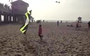 Kite With Incredible Control Mocks Kid