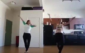 Amazing Synchronized Dancing