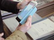 smartphone case instantly prints camera photos