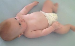 Awesome Baby Dancing Lying in His Bed
