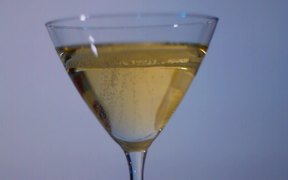 Bubbly Yellow Wine