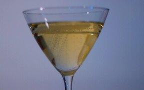 Bubbly Yellow Wine