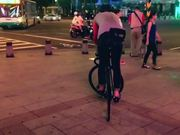 Fixed style | Trackstand in the city