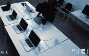 Glasjouren Commercial: The Break In