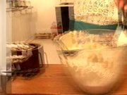 How to: Pineapple Upside-Down Cake