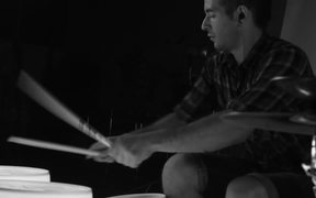 Amazing Bucket Drummer