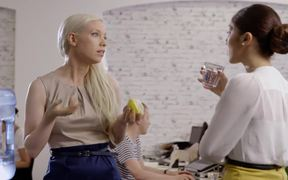Grill'd Commercial: 'Healthy' Girl