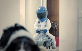 Zurich Insurance Commercial: Bobby Car