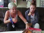 Pizza Hut: International Stuffed Pizza Test
