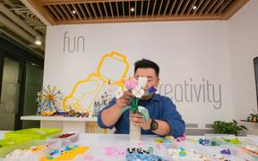 'LEGO Becomes Flower' Campaign