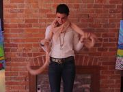 How To Tie a Scarf 6 Ways