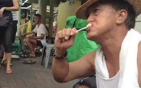 Chupa Chups Video: Lollipop Street Artist