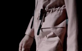 Sony Video: Xperia™ Z Versus Fashion