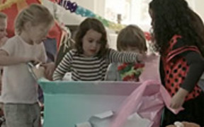 LG Commercial: The Best Gift Ever