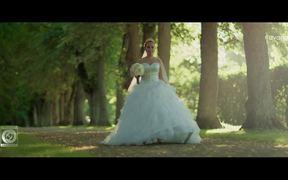 Parisa - Zendegi Official Music Video
