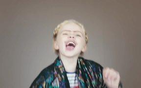 Mini Pupstars Video: Kids vs Dogs
