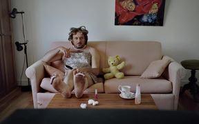 Sun Mum Campaign: Sun Mum on the Couch