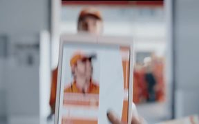 TNT Commercial: The People Network