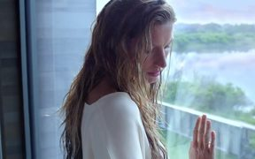 Chanel: The One That I Want with Gisele Bundchen