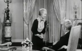 The Beverly Hillbillies: Elly Races Jethrine