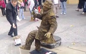 Crazy Human Statue with the Strongest Legs