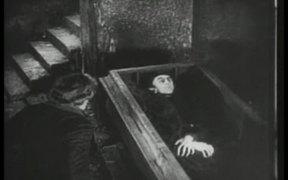 Nosferatu: Hutter Visits Count Orlock's Coffin