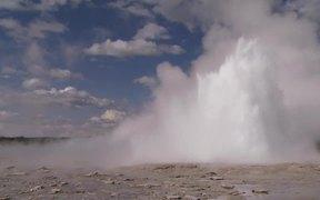 Yellowstone National Park: Geysers