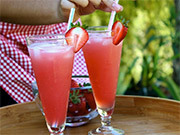 How to Make Strawberry Soda