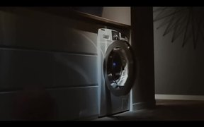 Samsung Commercial: So Smart, So Samsung